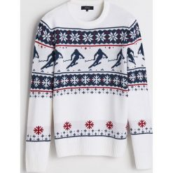 Sweter z motywem zimowym - Kremowy. Białe swetry przez głowę męskie Reserved. Za 119.99 zł.