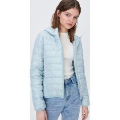 Niebieskie kurtki i płaszcze damskie ze sklepu Sinsay, bez