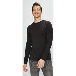 Tommy Hilfiger - Longsleeve. Czarne bluzki z długim rękawem męskie Tommy Hilfiger, z bawełny, z okrągłym kołnierzem. Za 159.90 zł.