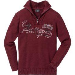 Sweter ze stójką Regular Fit bonprix czerwony rubinowy. Swetry przez głowę męskie marki Giacomo Conti. Za 74.99 zł.