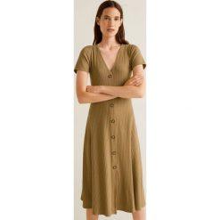 Mango - Sukienka Vescarei. Brązowe sukienki damskie Mango, z elastanu, casualowe. Za 139.90 zł.