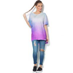 Colour Pleasure Koszulka CP-033  40 błękitno-malinowa r. uniwersalny. Bluzki damskie Colour Pleasure. Za 76.57 zł.