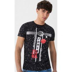 T-shirt z kosmicznym motywem - Czarny. T-shirty męskie marki Giacomo Conti. Za 49.99 zł.