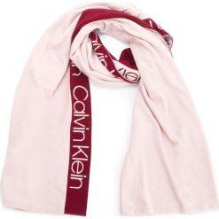 Szal CALVIN KLEIN - Stripey Branded Scar K60K604729 629. Czerwone szaliki i chusty damskie Calvin Klein, z elastanu. Za 299.00 zł.