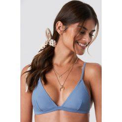 NA-KD Swimwear Góra bikini Basic Triangle - Blue. Niebieskie bikini damskie NA-KD Swimwear. Za 72.95 zł.