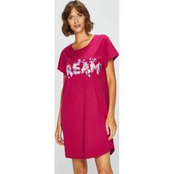 Triumph - Koszula piżamowa. Różowe koszule nocne damskie Triumph, z nadrukiem, z bawełny. Za 89.90 zł.