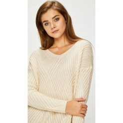 Pepe Jeans - Sweter. Szare swetry damskie Pepe Jeans, z dzianiny. W wyprzedaży za 239.90 zł.
