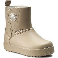 Kozaki CROCS - Colorlite Boot Ps 15840 Tumbleweed/Oatmeal. Buty zimowe dziewczęce Crocs, z tworzywa sztucznego. W wyprzedaży za 199.00 zł.