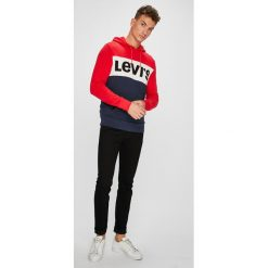 Levi's - Bluza. Brązowe bluzy męskie Levi's, z aplikacjami, z bawełny. Za 279.90 zł.