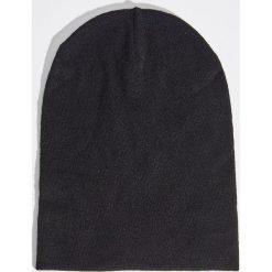 Czapka - Czarny. Czarne czapki i kapelusze damskie Sinsay. Za 14.99 zł.