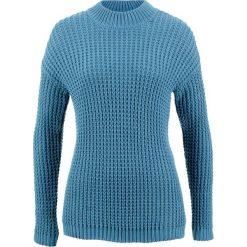 Sweter ze stójką i strukturalnym wzorem bonprix niebieski dżins. Niebieskie swetry damskie bonprix, ze stójką. Za 99.99 zł.