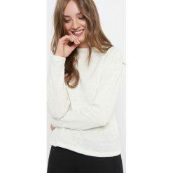 Lekki sweter z półgolfem. Brązowe swetry damskie Orsay, z dzianiny, z golfem. W wyprzedaży za 55.00 zł.