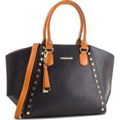 Torebka WITTCHEN - 87-4Y-403-1 Czarny. Czarne torebki do ręki damskie Wittchen, ze skóry ekologicznej. W wyprzedaży za 229.00 zł.