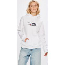 Tommy Jeans - Bluza. Szare bluzy damskie Tommy Jeans, z nadrukiem, z bawełny. Za 399.90 zł.
