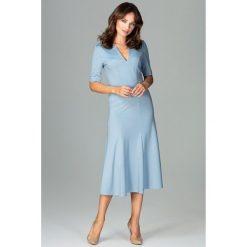 Sukienka koktajlowa za kolano k478. Niebieskie sukienki damskie Global, biznesowe, dekolt w kształcie v. Za 169.00 zł.