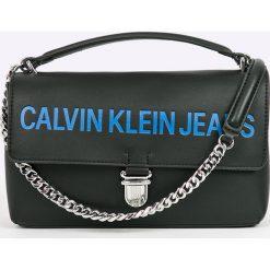 Calvin Klein - Torebka Sculpted Flap. Szare torby na ramię damskie Calvin Klein. W wyprzedaży za 429.90 zł.