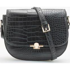Torebka z zarysowaną teksturą - Czarny. Czarne torebki do ręki damskie Reserved. Za 119.99 zł.
