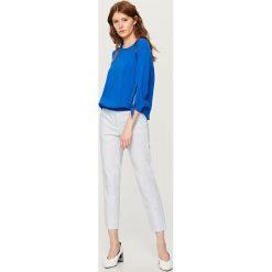 Spodnie we wzory - Niebieski. Spodnie materiałowe damskie marki bonprix. W wyprzedaży za 59.99 zł.