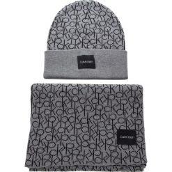 Zestaw Szalik i Czapka CALVIN KLEIN - Ck Knitted Scarf&Bea K60K604748 013. Czarne czapki i kapelusze damskie Calvin Klein, z bawełny. Za 429.00 zł.