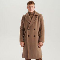 Długi płaszcz z wełną  ReDesign - Kremowy. Białe płaszcze męskie Reserved, z wełny. Za 499.99 zł.