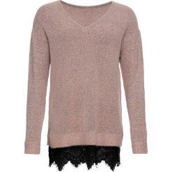 Sweter z koronką bonprix stary jasnoróżowy melanż. Swetry damskie marki bonprix. Za 74.99 zł.