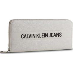 Duży Portfel Damski CALVIN KLEIN JEANS - Logo Banner Large Ziparound K40K400840 102. Białe portfele damskie Calvin Klein Jeans, z jeansu. Za 299.00 zł.