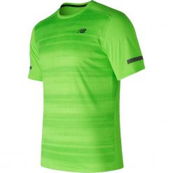Koszulka treningowa MT71047EGL. Zielone koszulki sportowe męskie New Balance, na jesień, z materiału. W wyprzedaży za 99.99 zł.