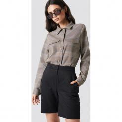 NA-KD Classic Dopasowane spodnie z wysokim stanem - Black. Czarne spodnie materiałowe damskie NA-KD Classic. Za 121.95 zł.