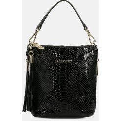 Czarna torebka przez ramię. Czarne torby na ramię damskie Kazar. Za 649.00 zł.