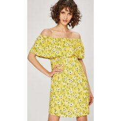 Vero Moda - Sukienka. Brązowe sukienki damskie Vero Moda, z dzianiny, casualowe. W wyprzedaży za 99.90 zł.