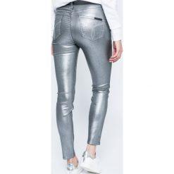 Calvin Klein Jeans - Spodnie Sculpted. Spodnie materiałowe damskie Calvin Klein Jeans, z elastanu. W wyprzedaży za 459.90 zł.