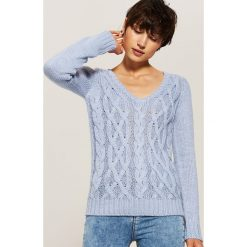 Sweter z warkoczami - Niebieski. Swetry damskie marki bonprix. Za 59.99 zł.