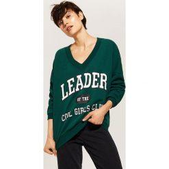 Bluza z napisem - Khaki. Brązowe bluzy damskie House, z napisami. Za 79.99 zł.