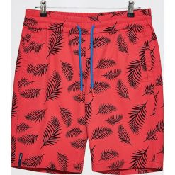 Szorty z roślinnym printem - Czerwony. Czerwone szorty męskie Cropp. W wyprzedaży za 39.99 zł.