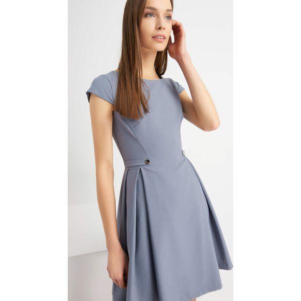 a30ad7b7e0 Rozkloszowana sukienka ze strukturą - Sukienki damskie marki Orsay ...