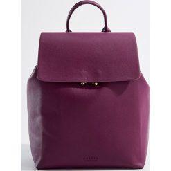 Plecak z uchwytem - Fioletowy. Fioletowe plecaki damskie Mohito. Za 99.99 zł.