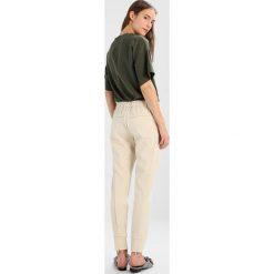 2ndOne SILJA Spodnie treningowe almond. Spodnie dresowe damskie 2ndOne, z dresówki. Za 419.00 zł.