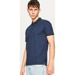 Koszulka polo z mikroprintem - Granatowy. Koszulki polo męskie marki INESIS. W wyprzedaży za 49.99 zł.