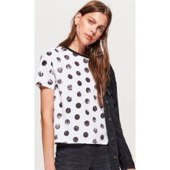 Koszulka w grochy kolekcja EQUAL - Biały. T-shirty damskie marki DOMYOS. W wyprzedaży za 14.99 zł.