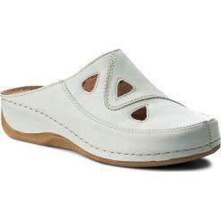 Klapki POLLONUS - 5-0683-001 Avorio. Białe klapki damskie Pollonus, z materiału. W wyprzedaży za 149.00 zł.