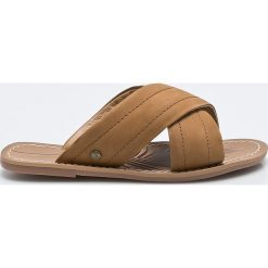 Pepe Jeans - Klapki Malibu Essential. Brązowe klapki damskie Pepe Jeans, z gumy. W wyprzedaży za 179.90 zł.