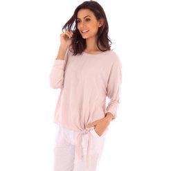 Koszulka w kolorze jasnoróżowym. Bluzki damskie fille de Coton, z bawełny, klasyczne, z okrągłym kołnierzem. W wyprzedaży za 86.95 zł.