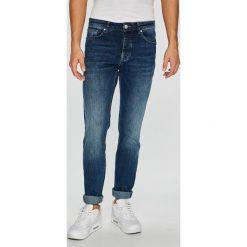 Review - Jeansy Simon. Niebieskie jeansy męskie Review. Za 499.90 zł.