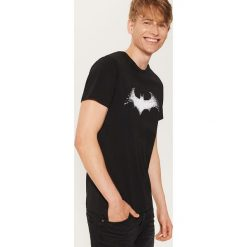 T-shirt Batman - Czarny. Czarne t-shirty męskie House, z motywem z bajki. Za 49.99 zł.