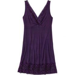 Koszula nocna z wiskozy bonprix ciemny lila. Fioletowe koszule nocne damskie bonprix, w koronkowe wzory, z koronki. Za 59.99 zł.