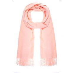 Różowy szal z frędzlami QUIOSQUE. Czerwone szaliki i chusty damskie QUIOSQUE, ze skóry. Za 79.99 zł.