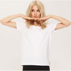 T-shirt basic - Biały. Białe t-shirty damskie House. Za 19.99 zł.