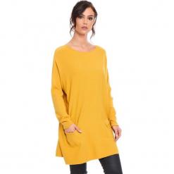 """Sweter """"Marlone"""" w kolorze musztardowym. Żółte swetry damskie Cosy Winter, ze splotem, z okrągłym kołnierzem. W wyprzedaży za 181.95 zł."""