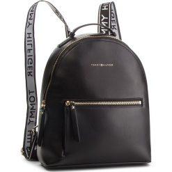 Plecak TOMMY HILFIGER - Iconic Tommy Backpac AW0AW05670 Black 002. Czarne plecaki damskie Tommy Hilfiger, ze skóry ekologicznej, klasyczne. Za 599.00 zł.