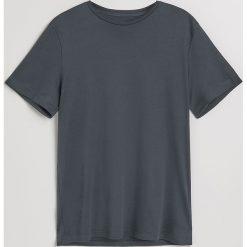 Gładki t-shirt - Szary. Szare t-shirty męskie Reserved. Za 49.99 zł.